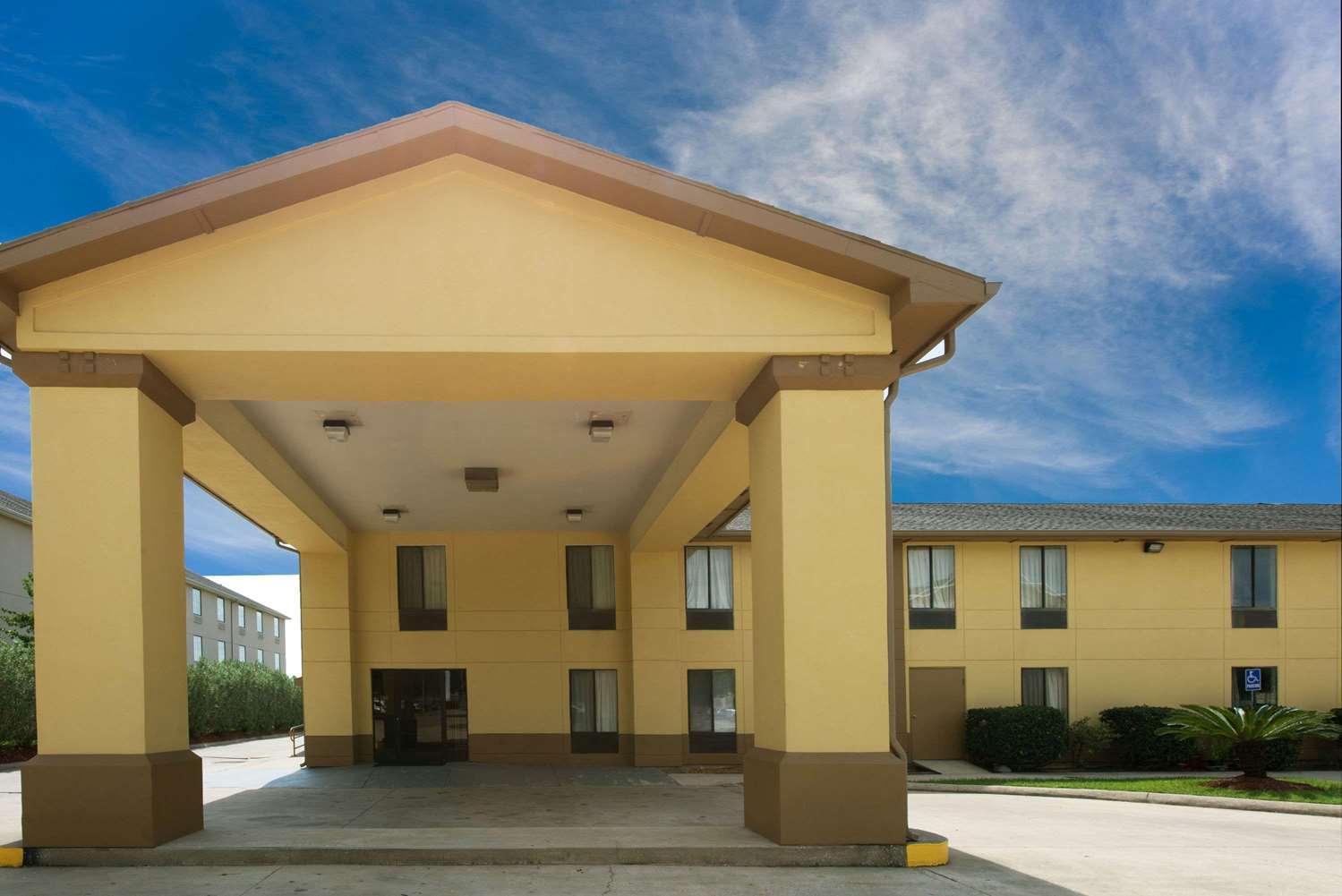 Exterior view - Super 8 Hotel Sulphur