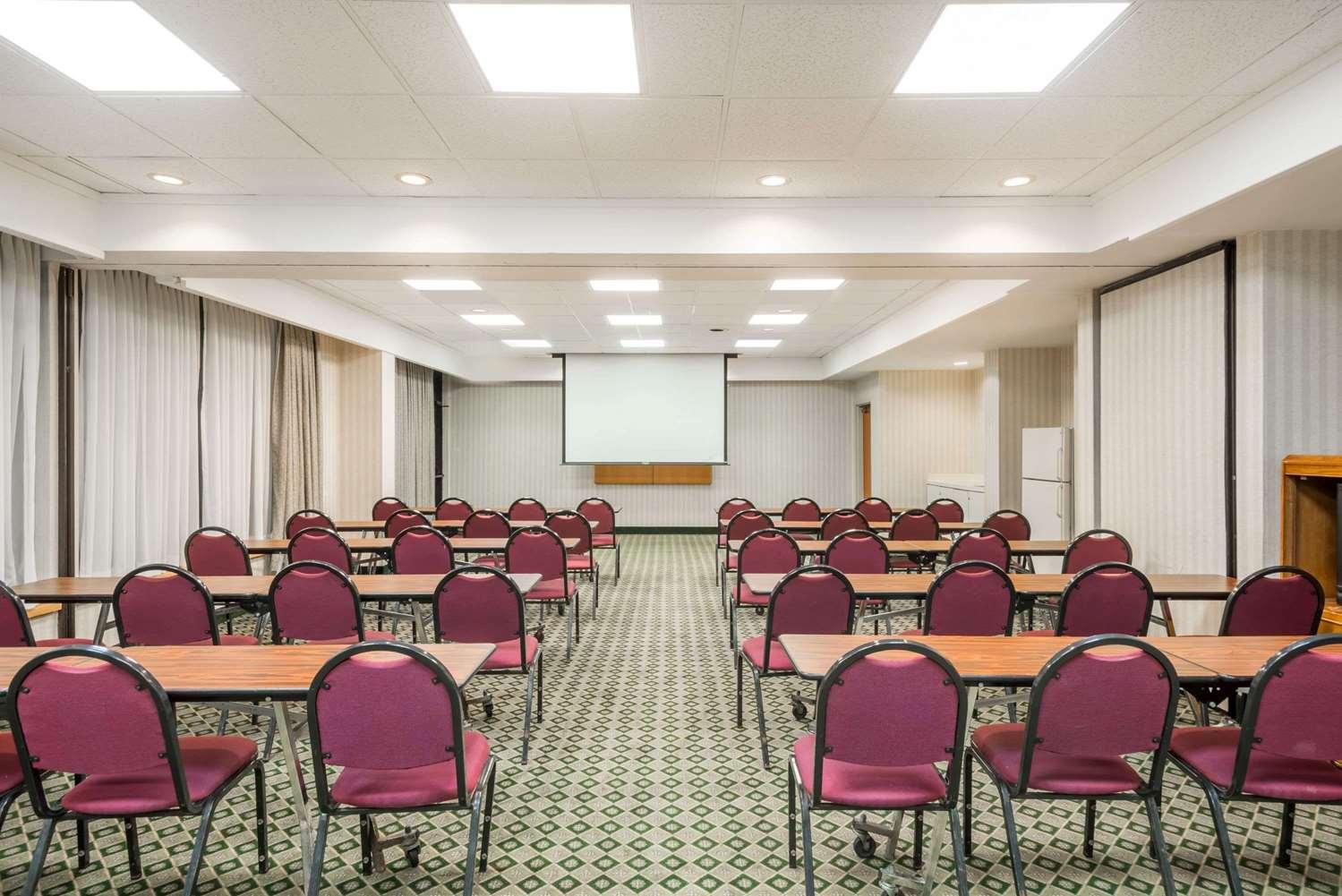 Meeting Facilities - Days Inn Erie