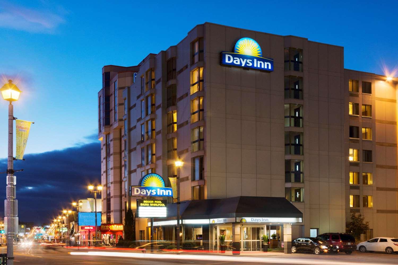 Exterior view - Days Inn near the Falls Niagara Falls