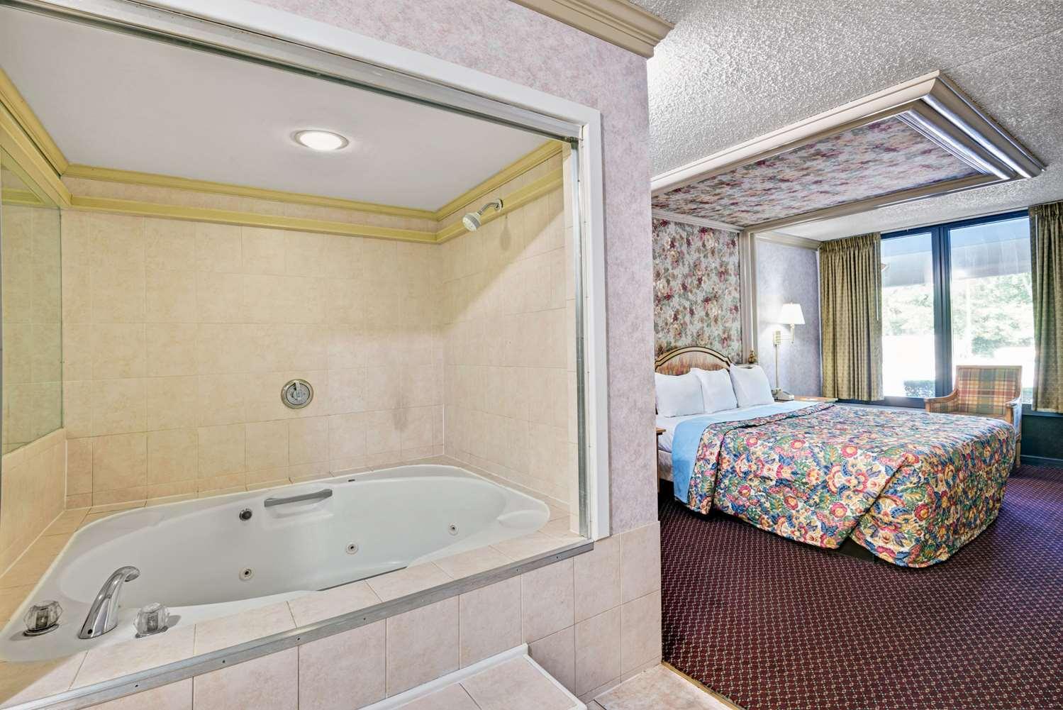 Room - Days Inn Absecon