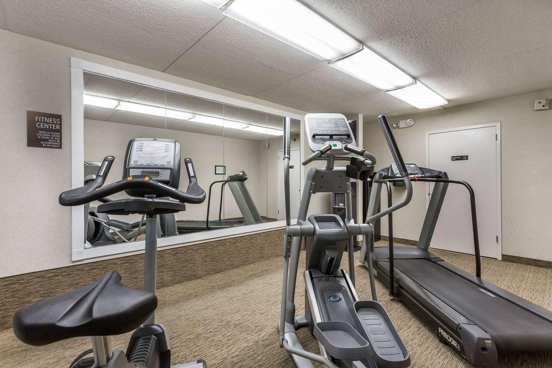 Fitness/ Exercise Room - Days Inn North Harrisburg