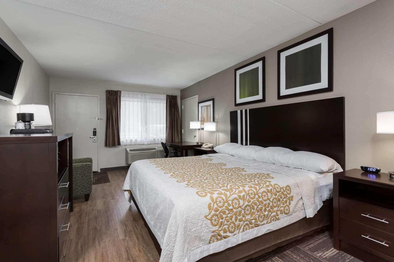 Room - Days Inn North Harrisburg