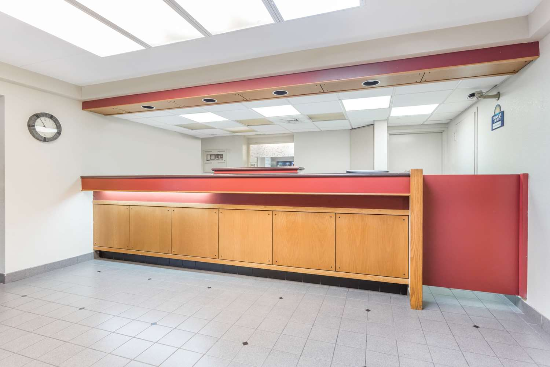 Lobby - Days Inn North Harrisburg