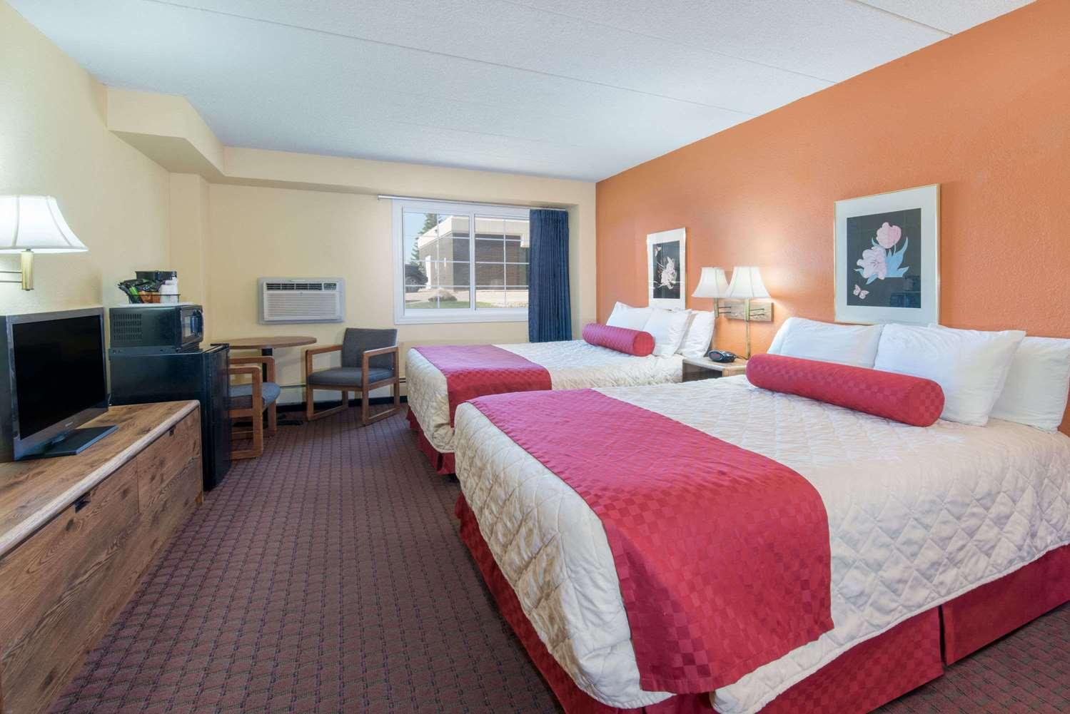 Room - Days Inn Minot