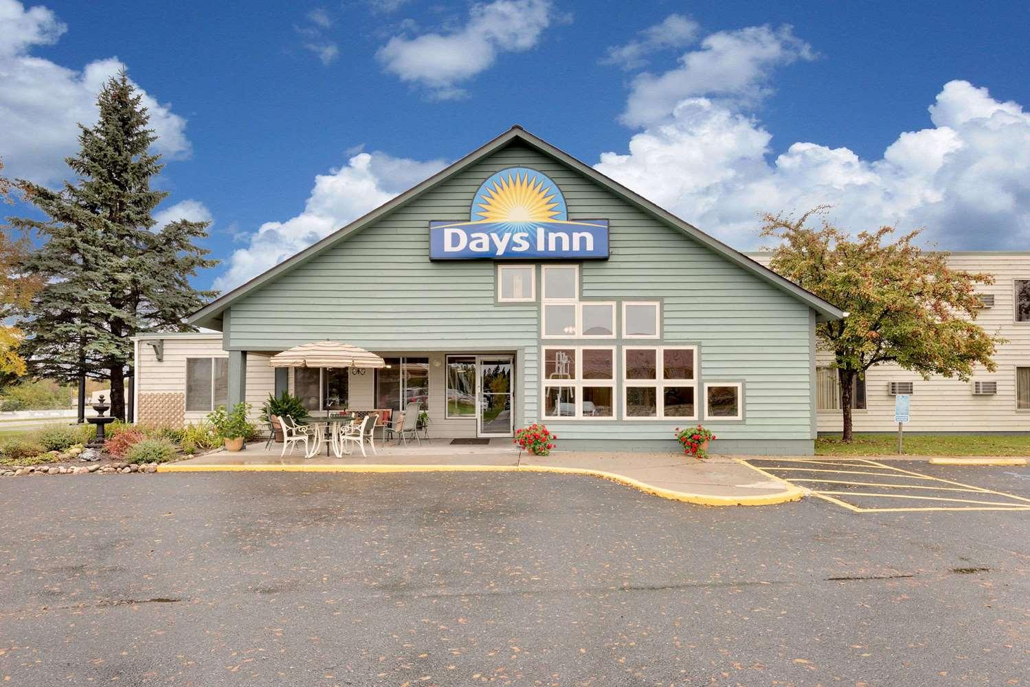 Exterior view - Days Inn International Falls