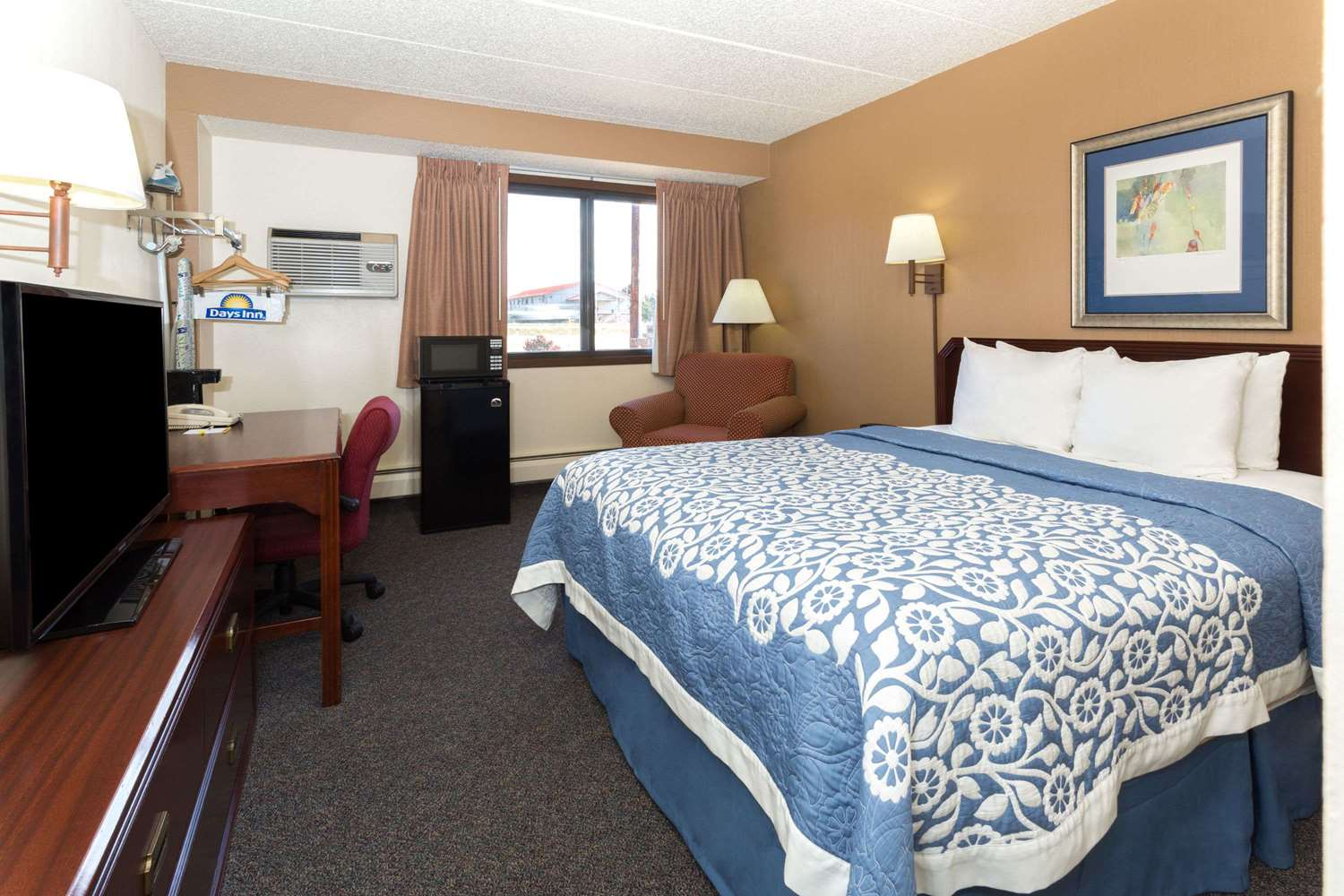 Room - Days Inn Fort Collins