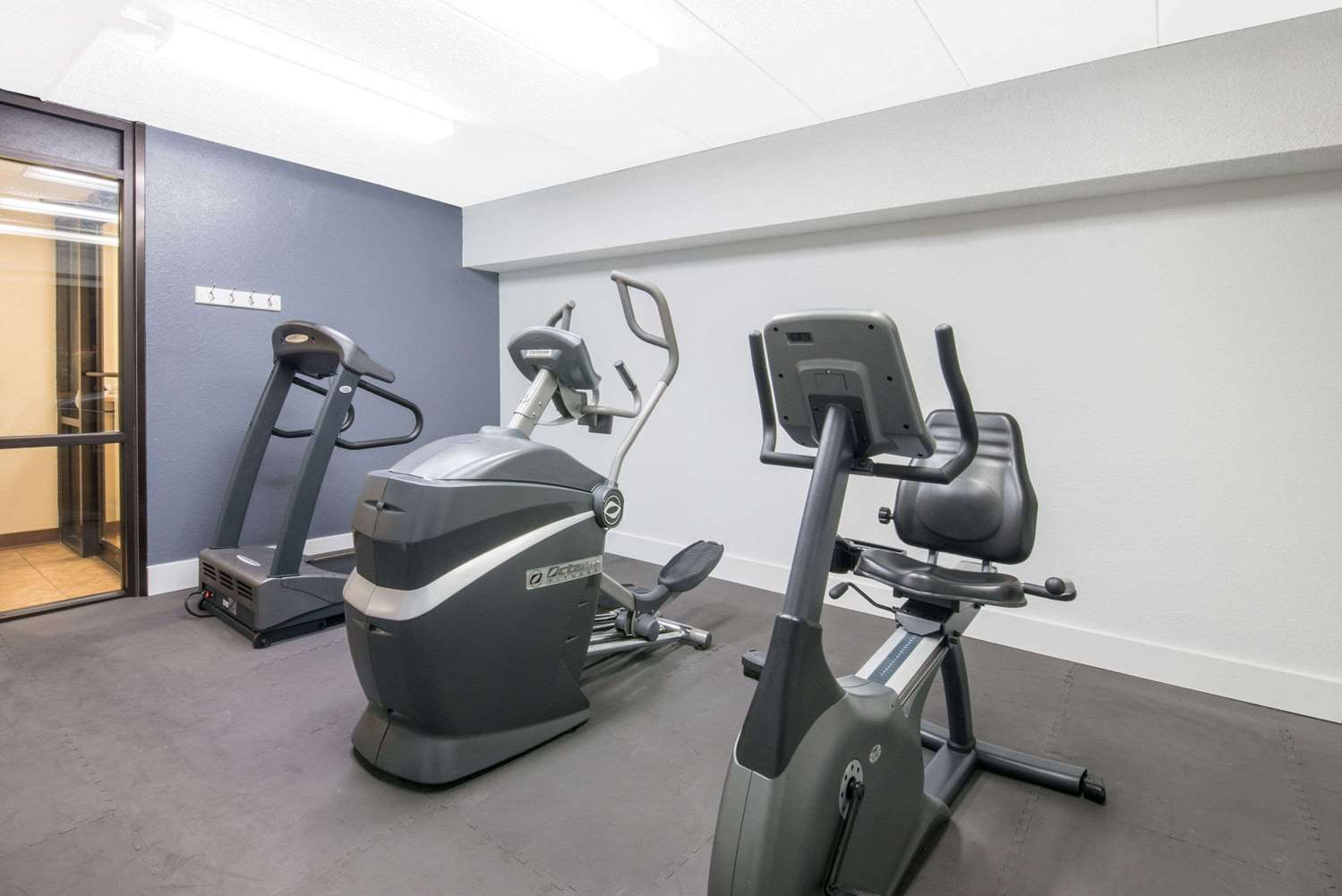 Fitness/ Exercise Room - Days Inn Sioux Falls Airport