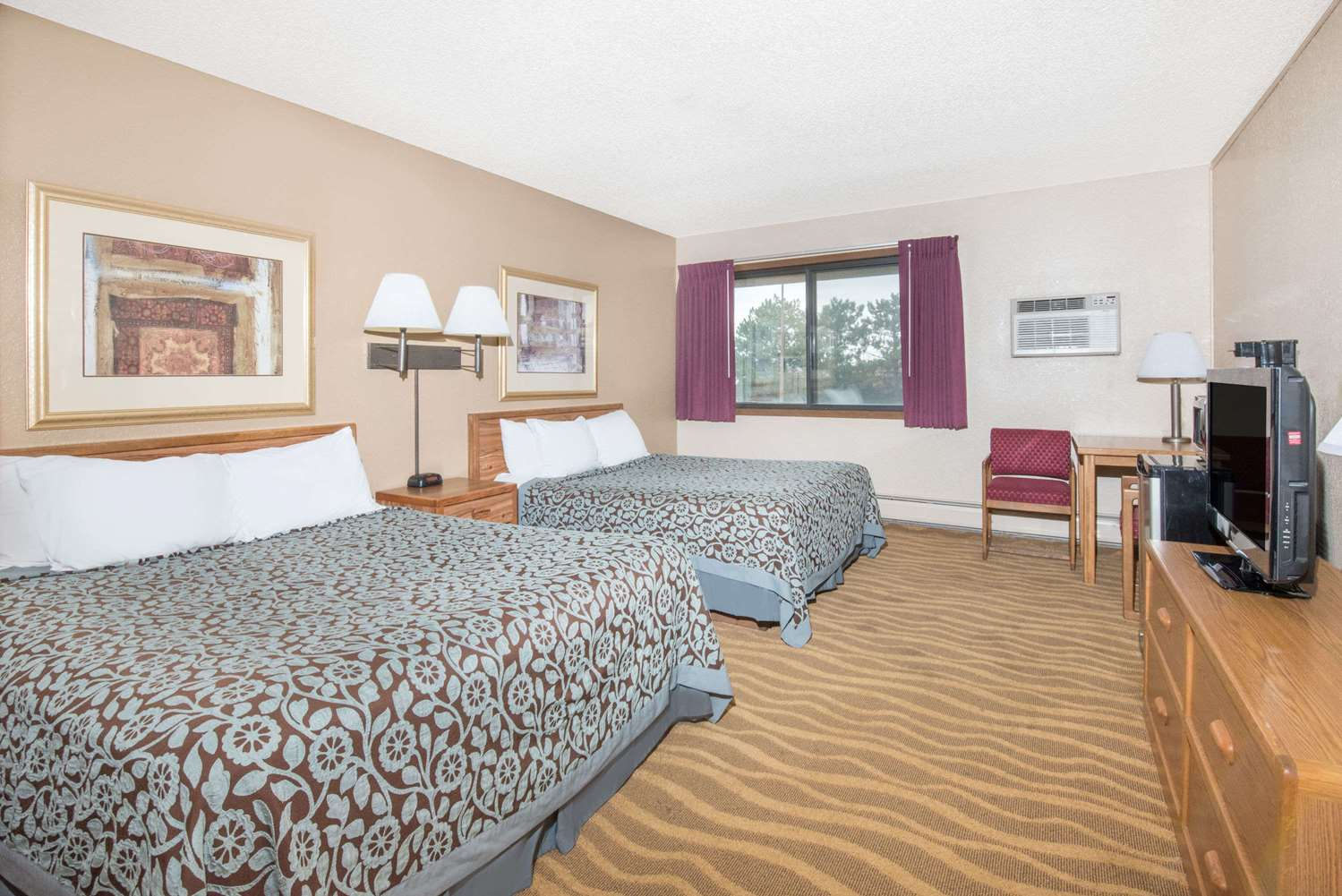 Room - Days Inn Sioux Falls Airport