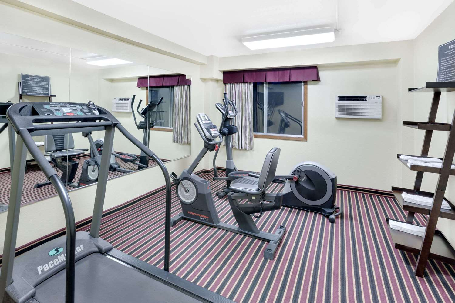 Fitness/ Exercise Room - Days Inn Newton