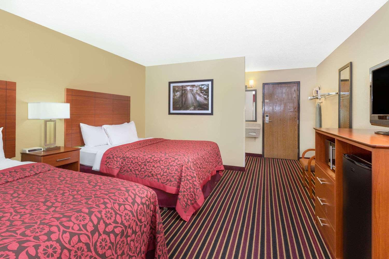 Room - Days Inn Newton