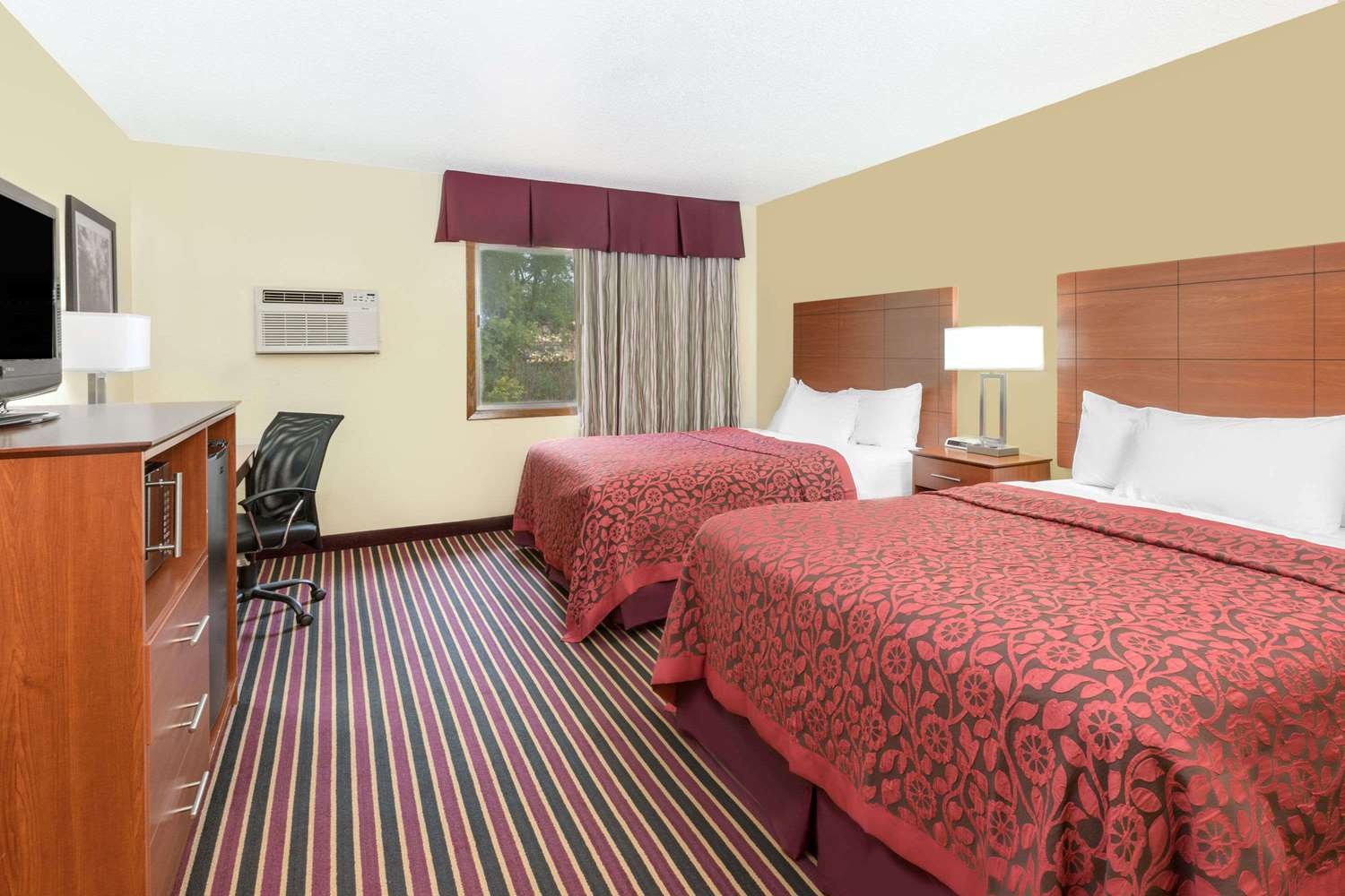 Room - Days Inn Newton