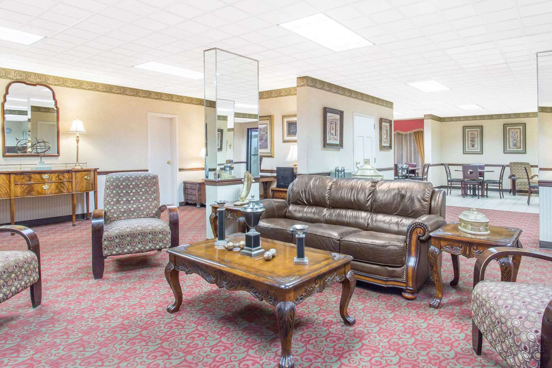 Lobby - Days Inn Princeton