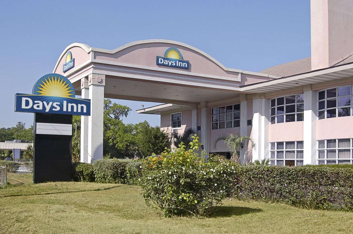 Exterior view - Days Inn University Gainesville