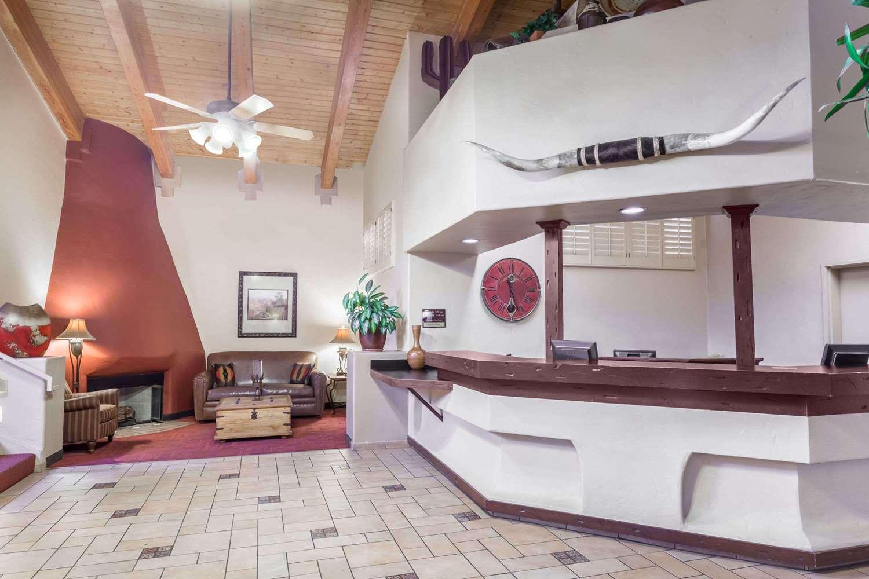 Lobby - Days Inn Mesa