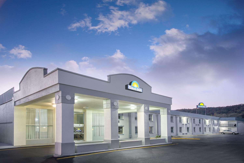 Days Inn Airport Roanoke Va See Discounts