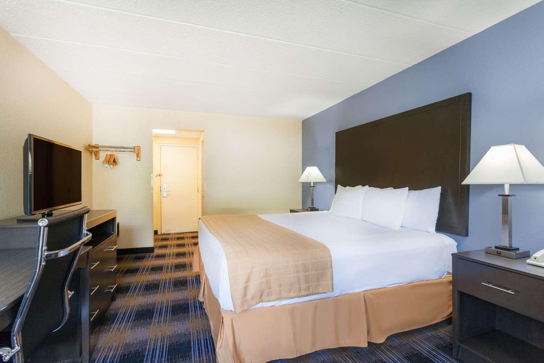 Room - Days Inn Wilkes-Barre