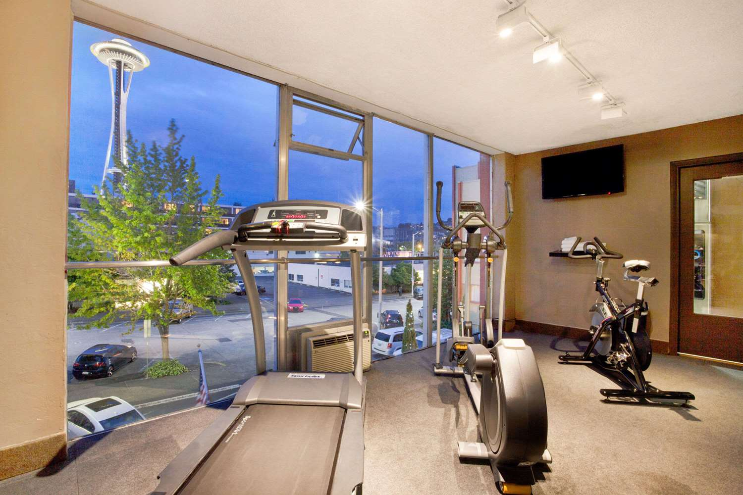 Fitness/ Exercise Room - Travelodge Space Needle Seattle