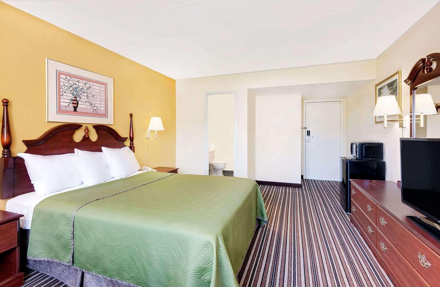 Room - Travelodge Chambersburg