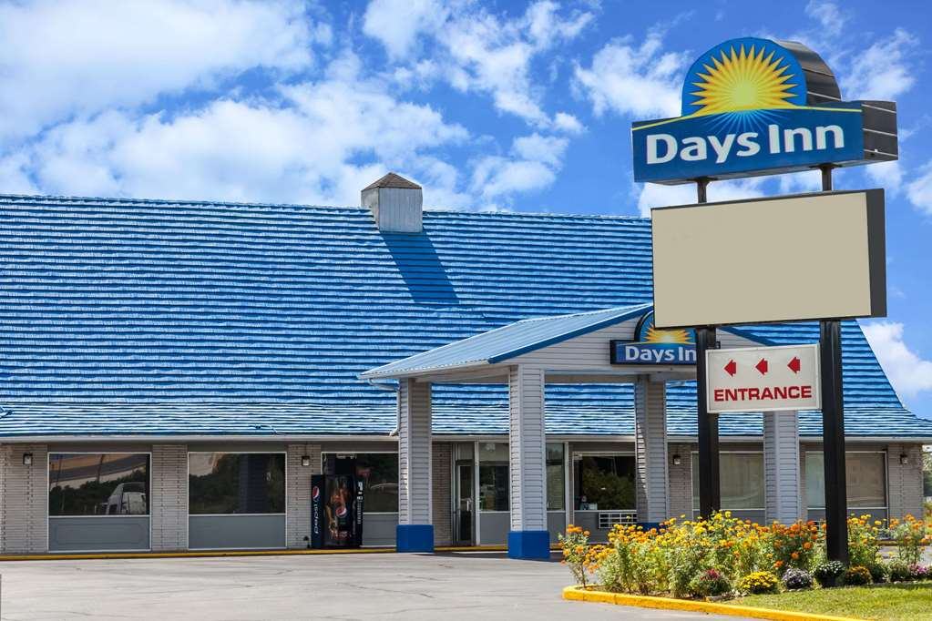 Welcome to the Days Inn Seymour