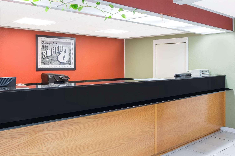 Lobby - Super 8 Hotel Dothan