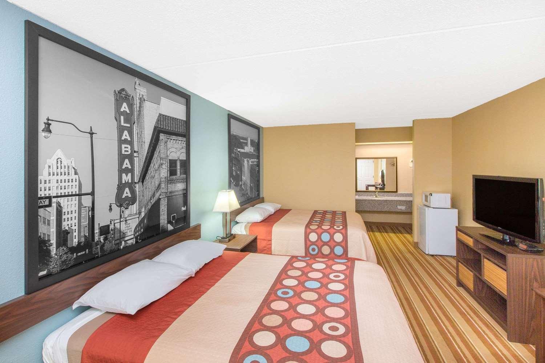 Room - Super 8 Hotel Dothan