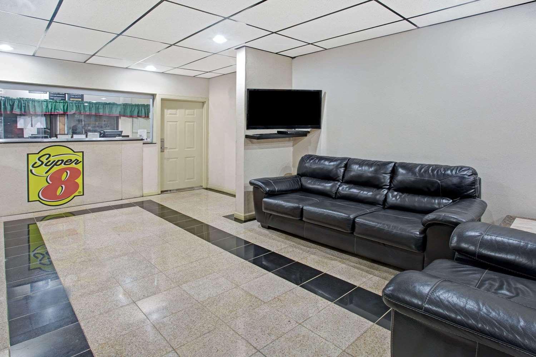 Lobby - Super 8 Hotel Suwanee