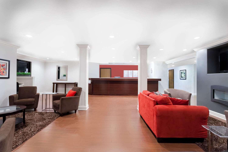 Lobby - Ramada Limited Hotel Tell City