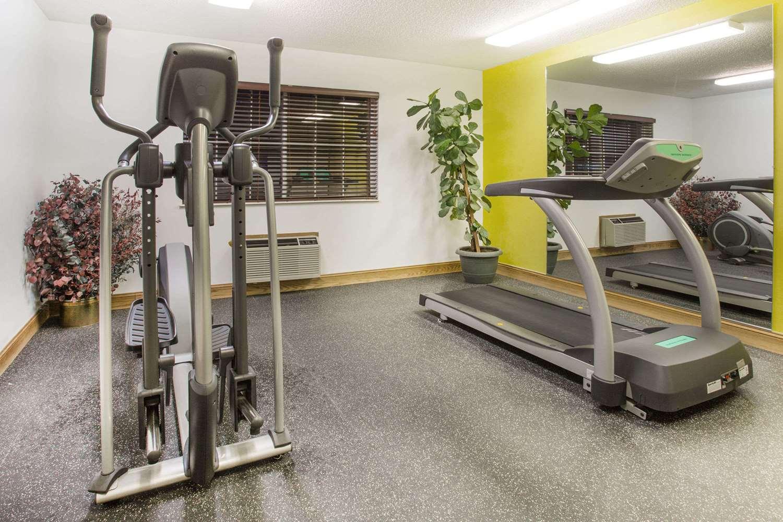 Fitness/ Exercise Room - Days Inn Lexington