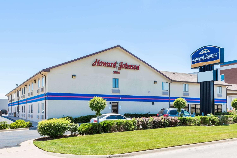 Exterior view - Howard Johnson Express Inn Airport Wichita