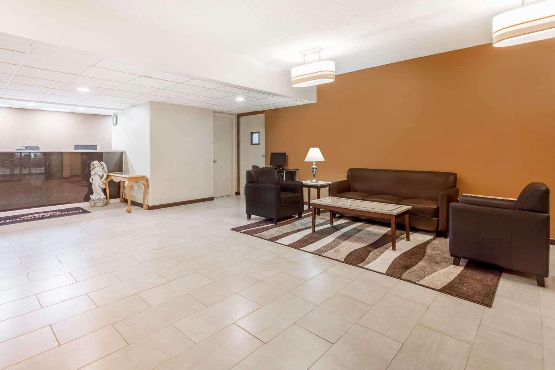 Lobby - Howard Johnson Express Inn Spartanburg