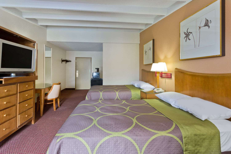 Room - Super 8 Hotel Melbourne
