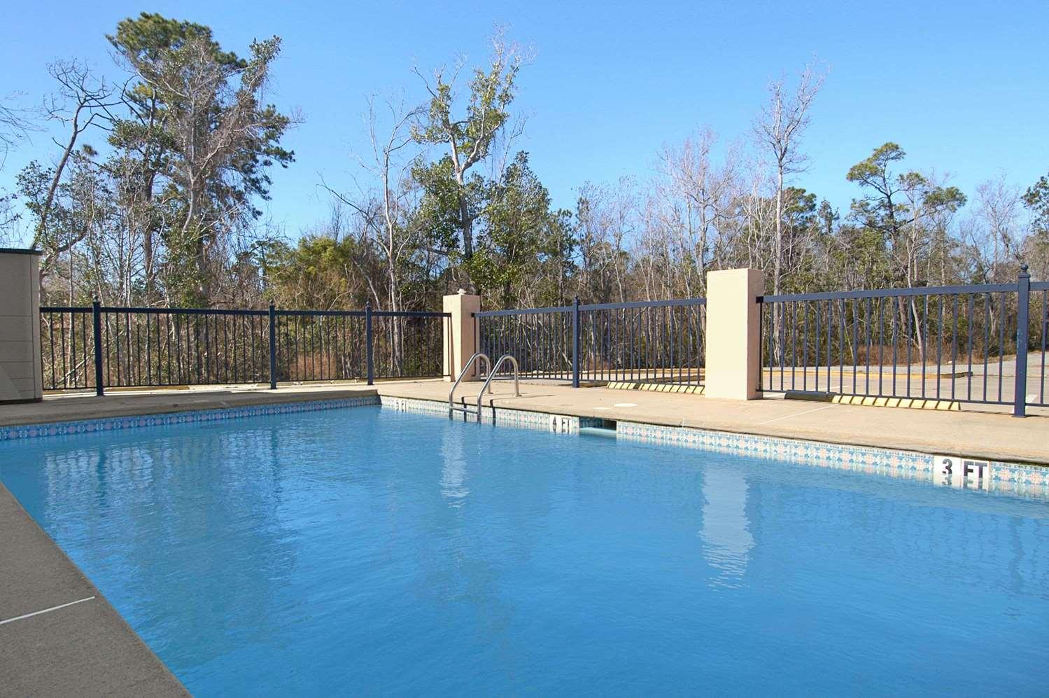 Pool - Days Inn Ocean Springs