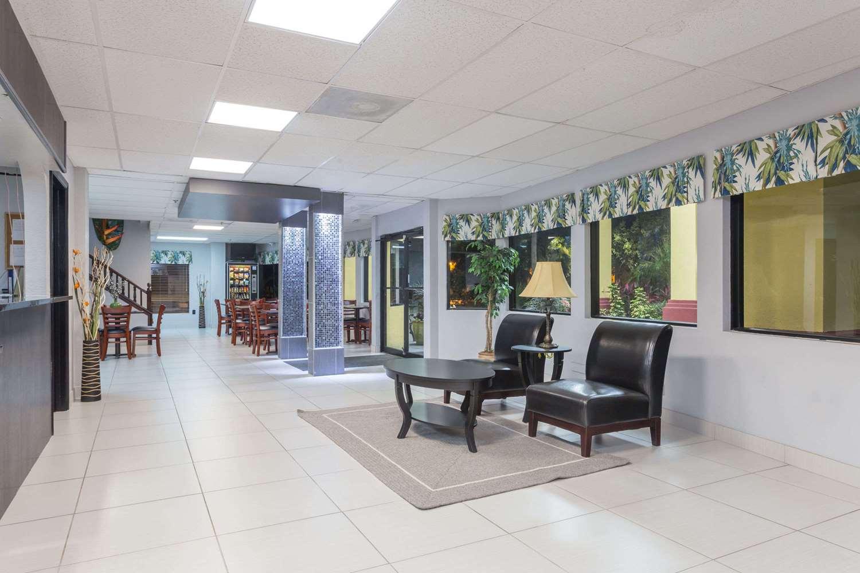 Lobby - Days Inn I-75 Sarasota