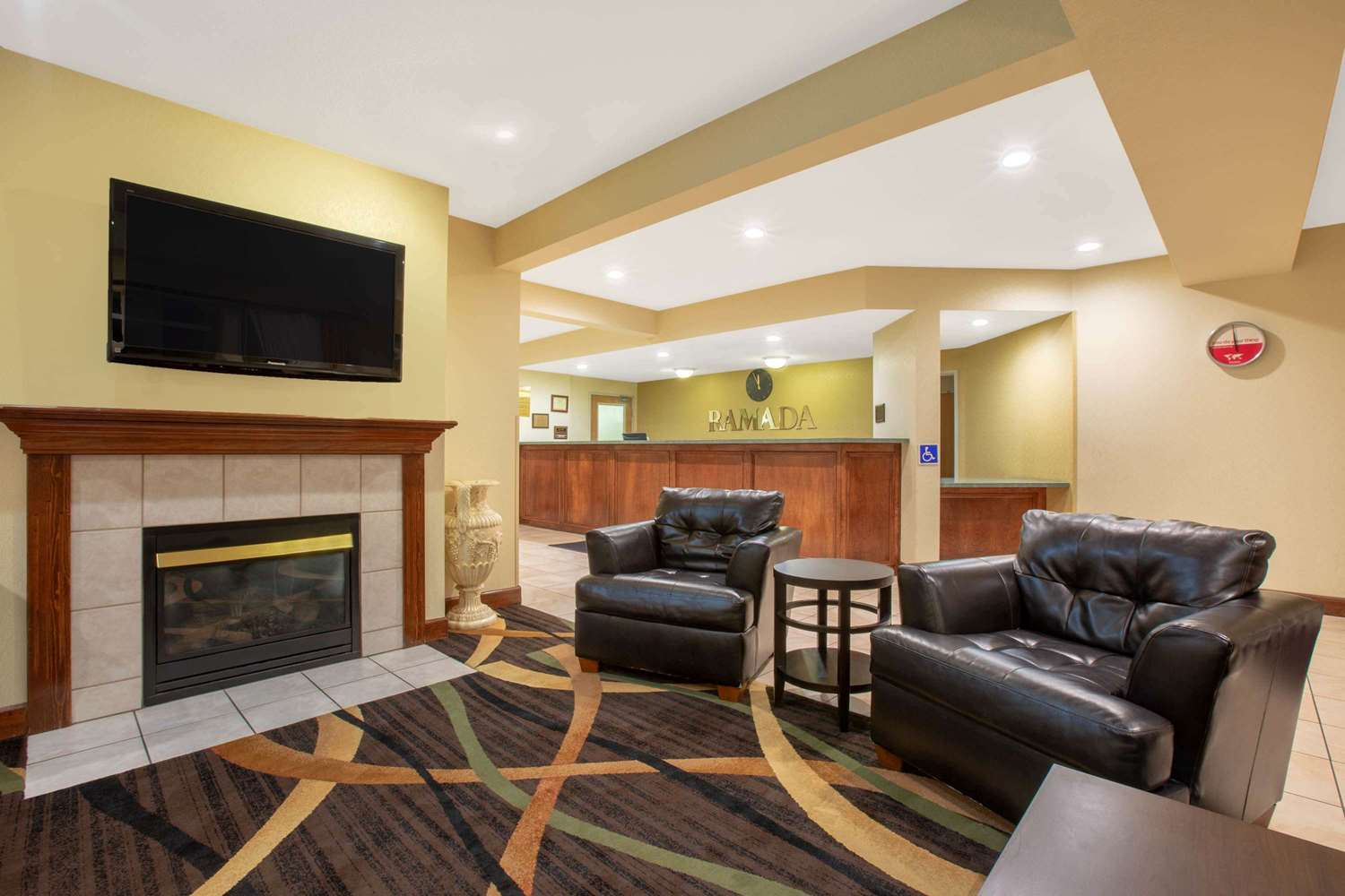 Lobby - Ramada Limited Hotel Redding