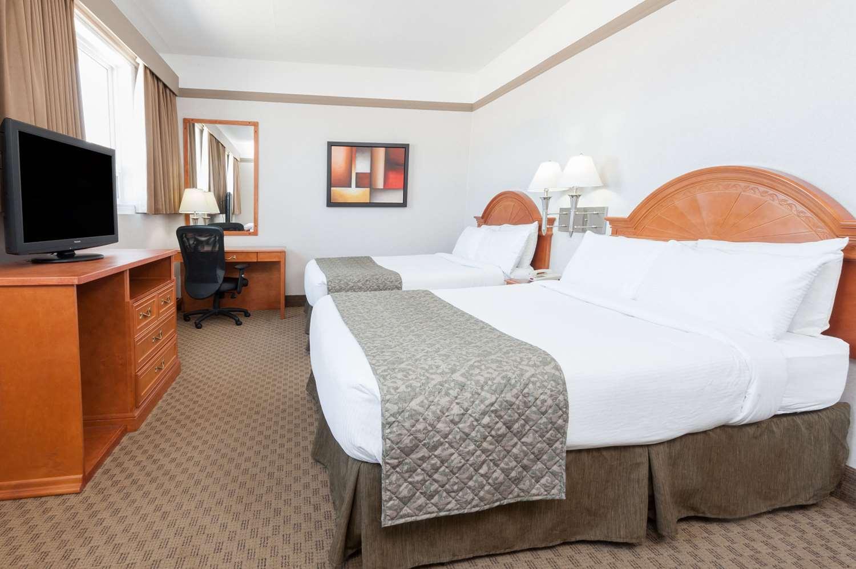 Room - Ramada Inn Edmonton South