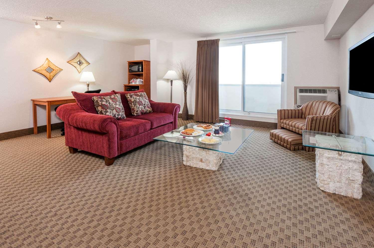 Suite - Ramada Inn Edmonton South
