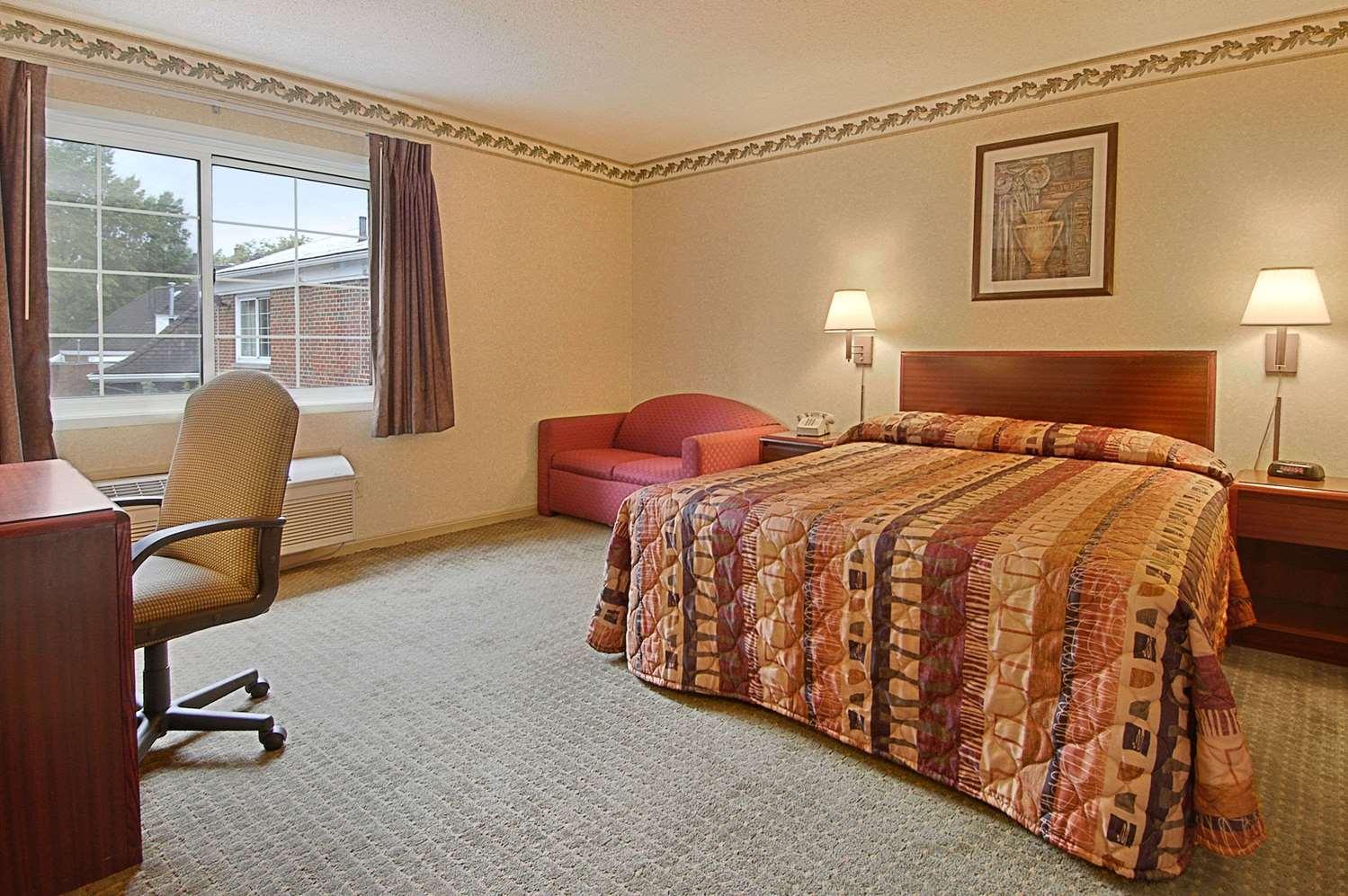 Room - Days Inn Lakewood