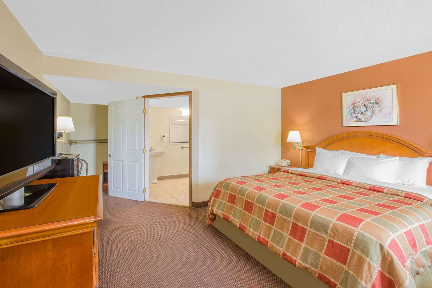Room - Days Inn Port Huron