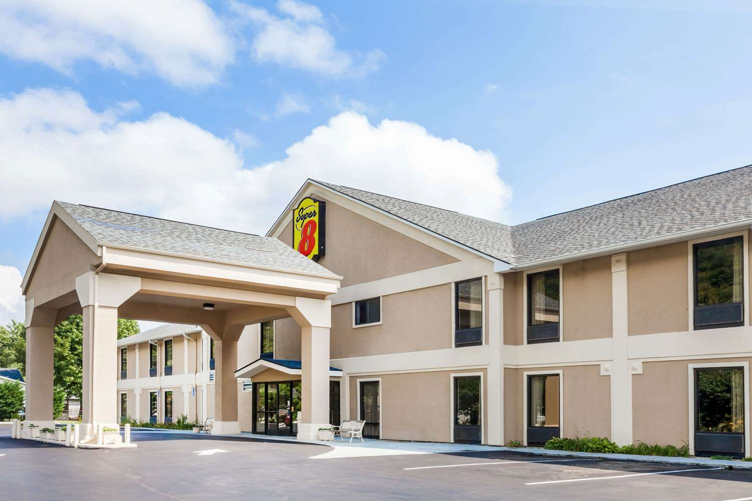 Exterior view - Super 8 Hotel Erwin