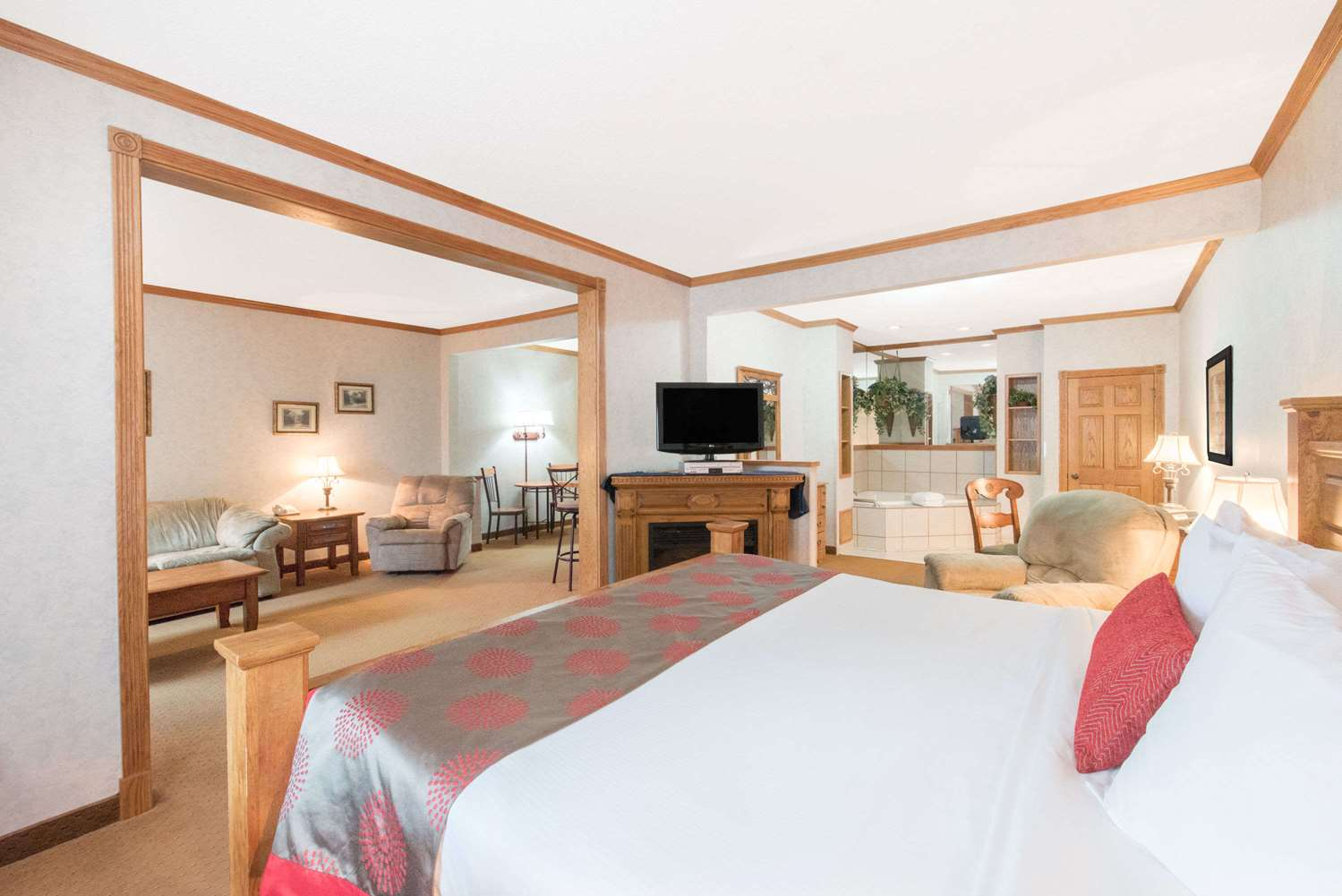 Suite - Ramada Limited Hotel Northeast Bismarck