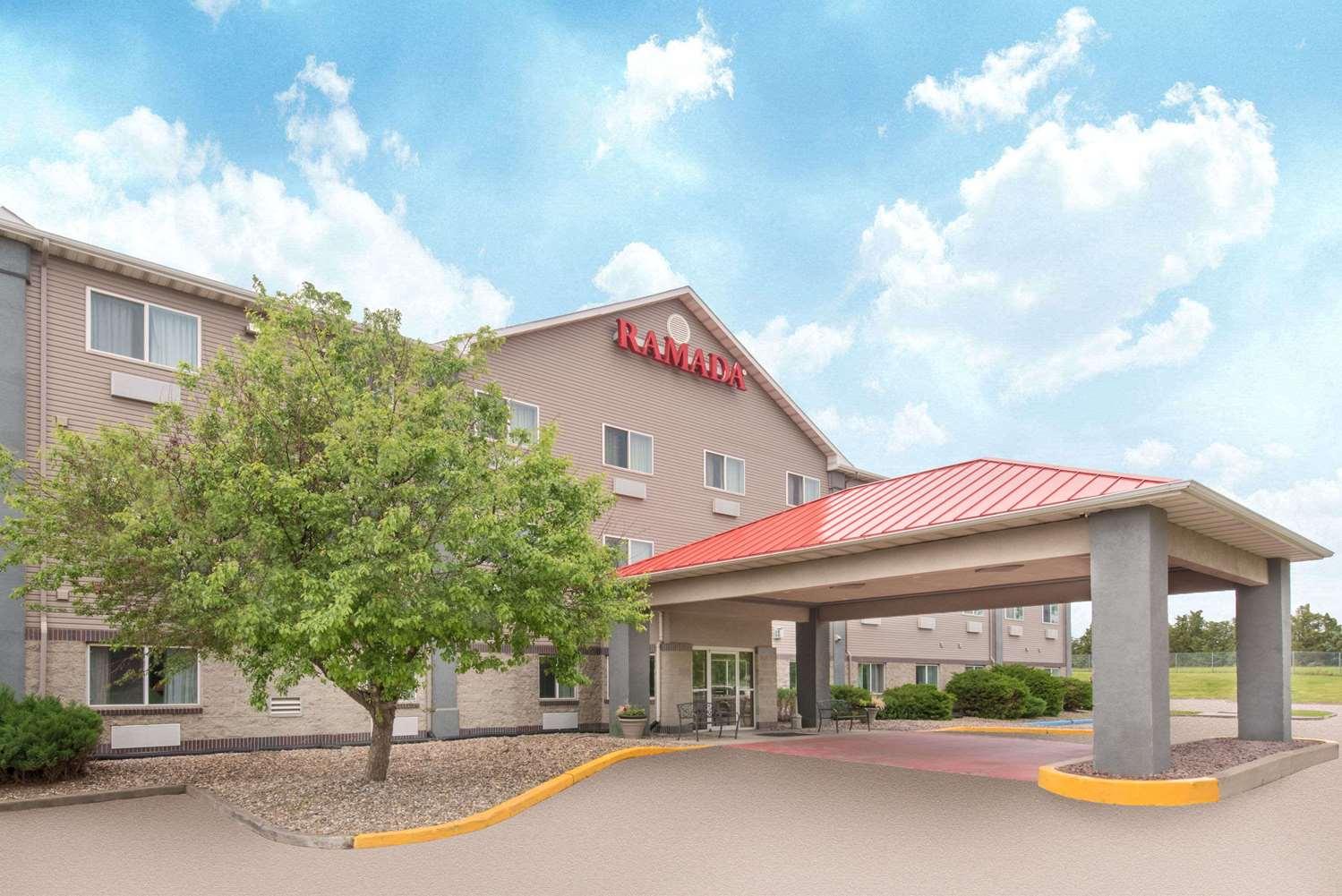 Exterior view - Ramada Limited Hotel Northeast Bismarck