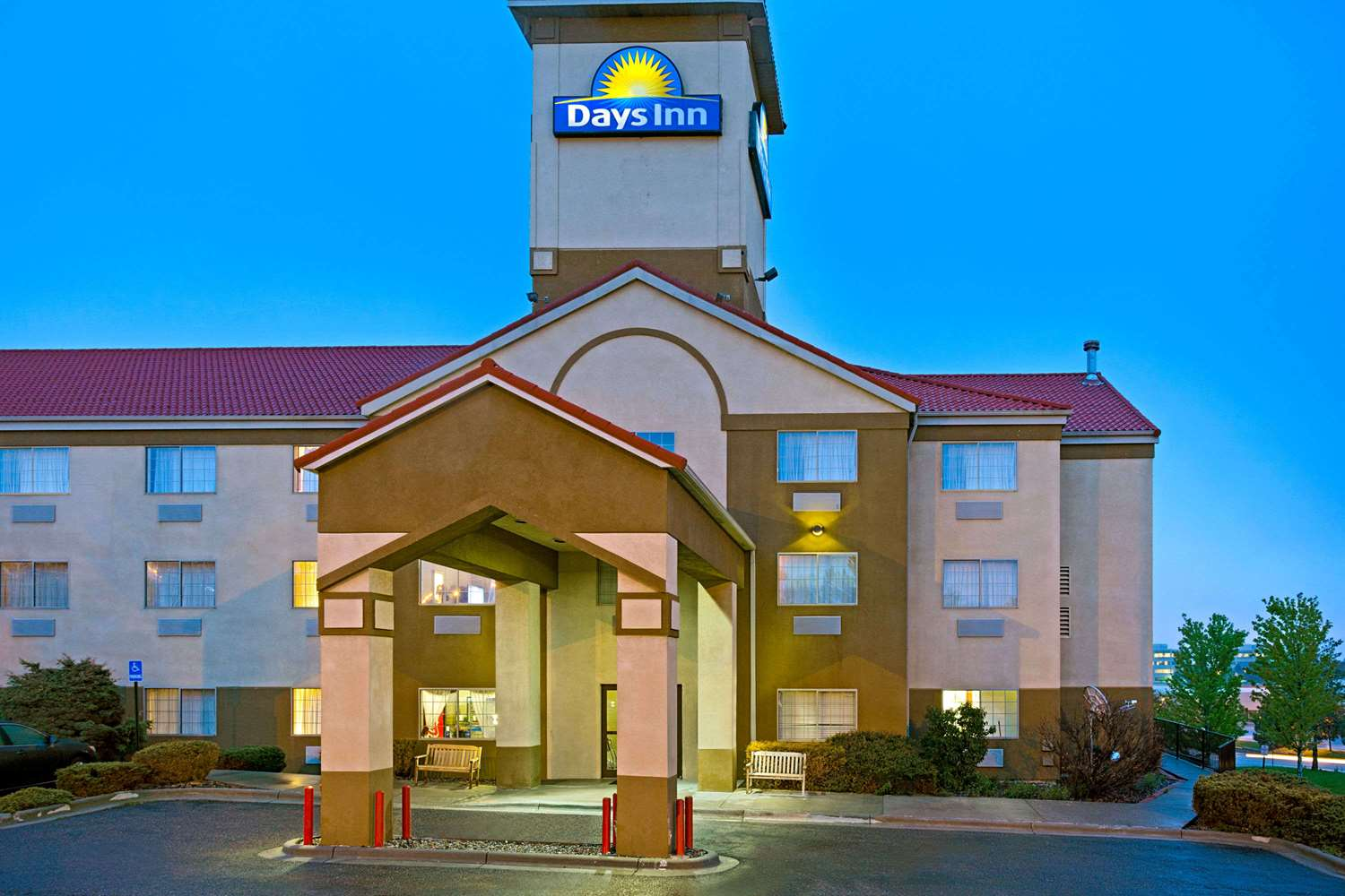 Exterior view - Days Inn Tech Center Englewood