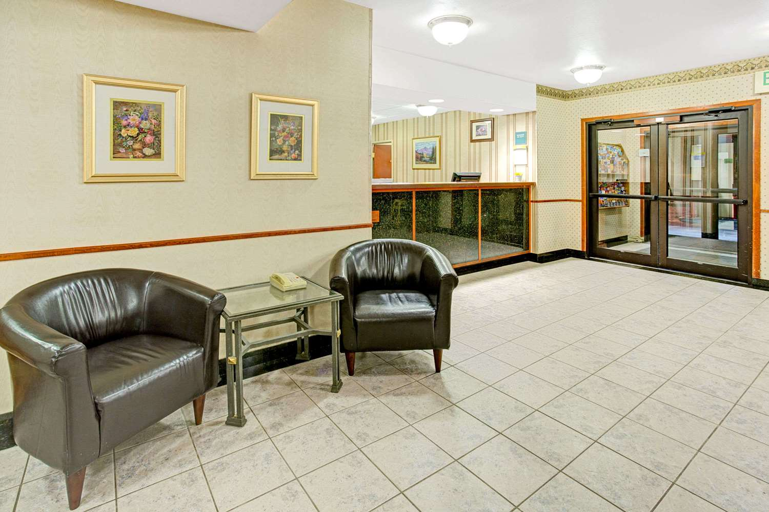 Lobby - Days Inn Tech Center Englewood