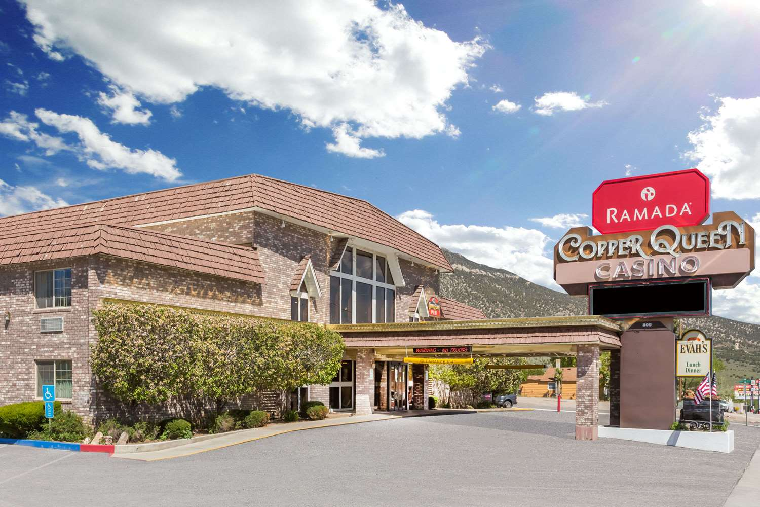 Exterior view - Ramada Inn & Copper Queen Casino Ely