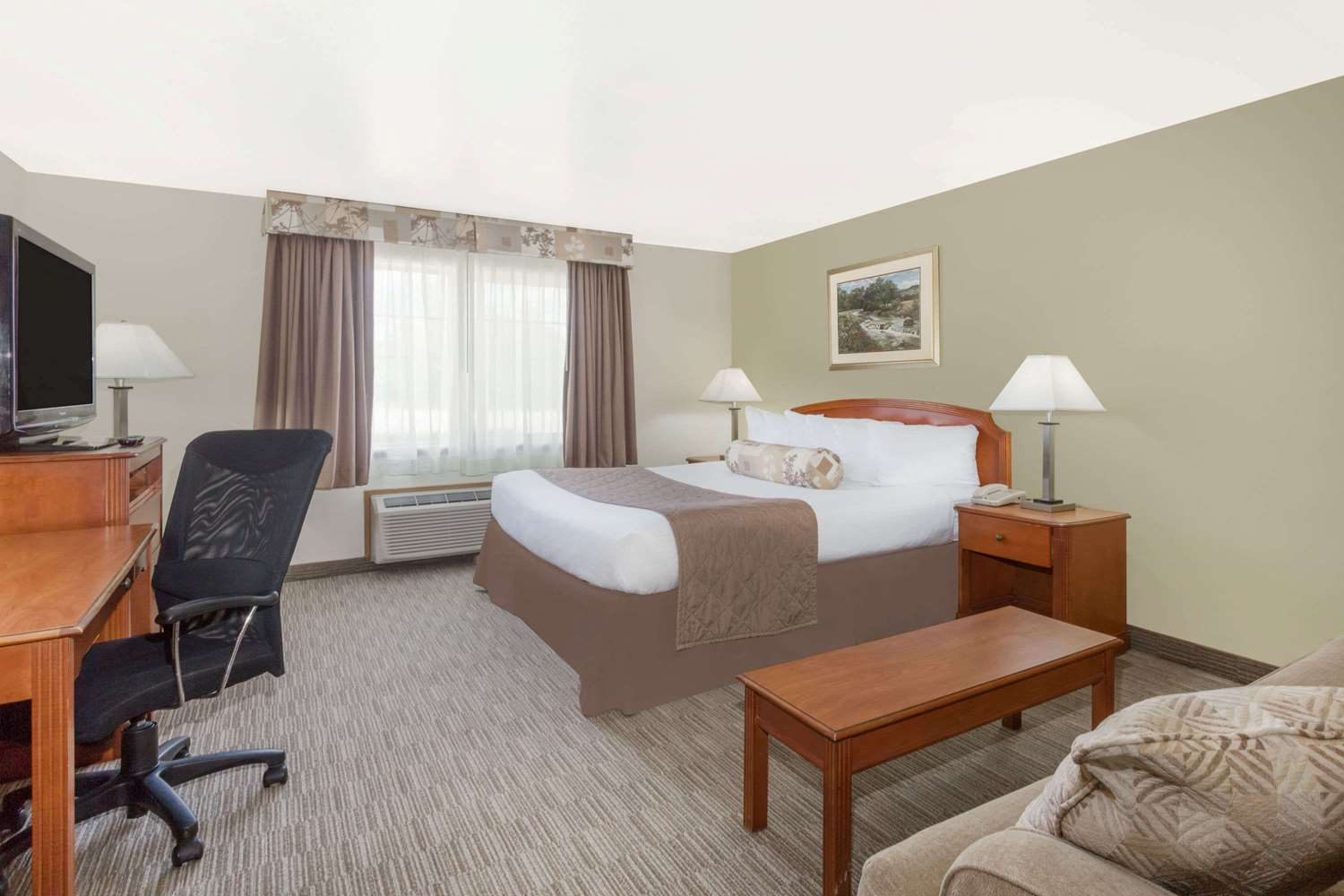 Room - Ramada Inn & Copper Queen Casino Ely