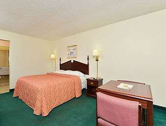 Room - Super 8 Hotel Airport North Little Rock