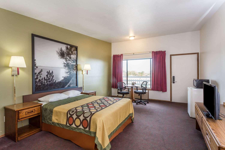 Room - Super 8 Hotel Wells