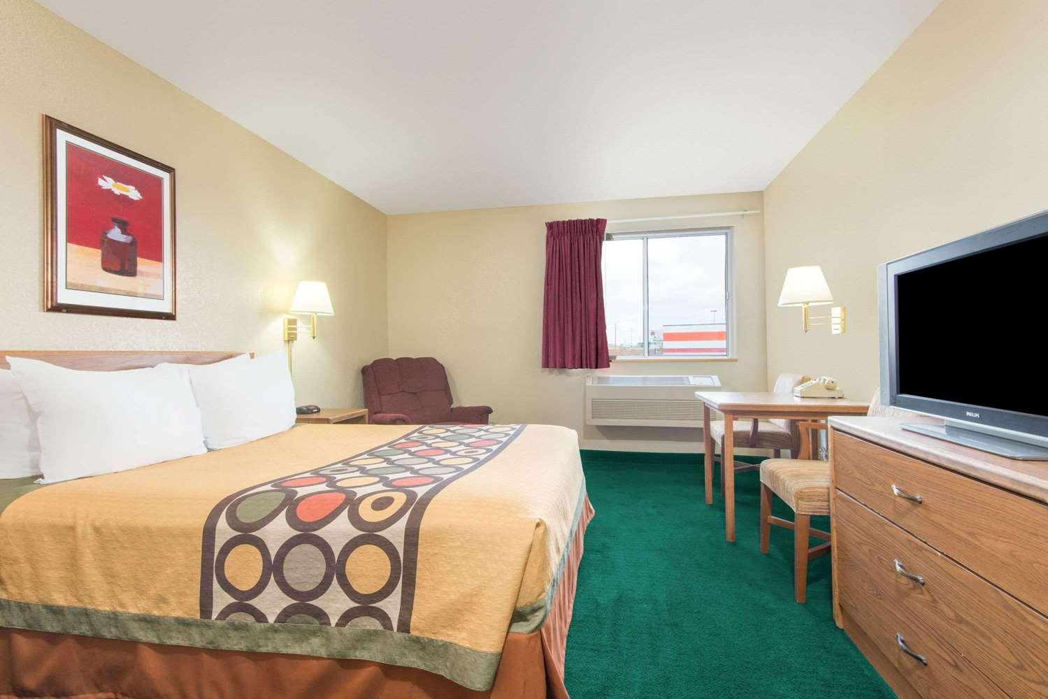 Room - Super 8 Hotel Trinidad