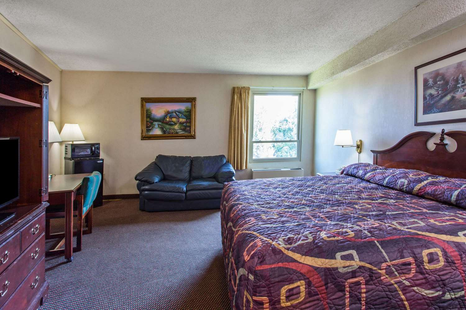 Room - Days Inn I-66 Manassas
