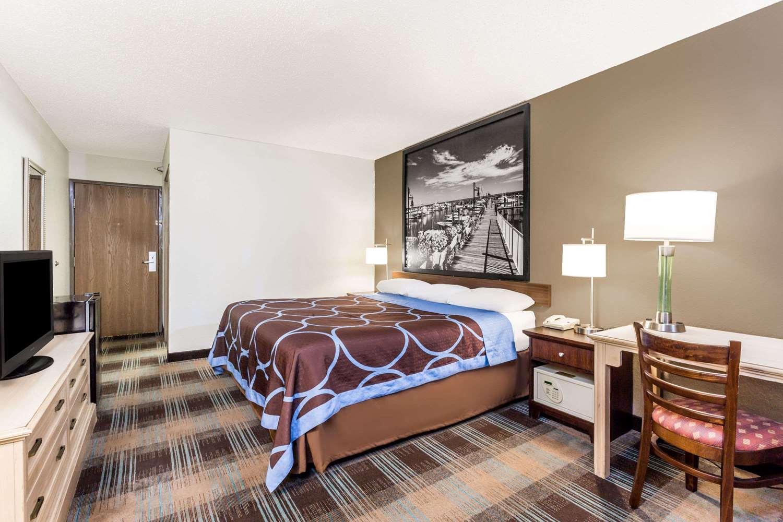 Room - Super 8 Motel Joppa